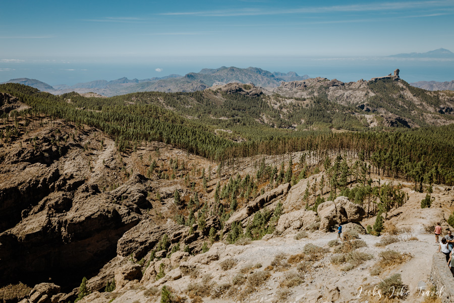 views of the mountain trail to Roque Nublo