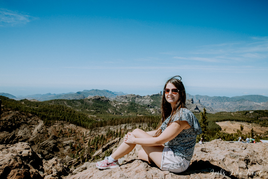 girl on Pico de las Nieves