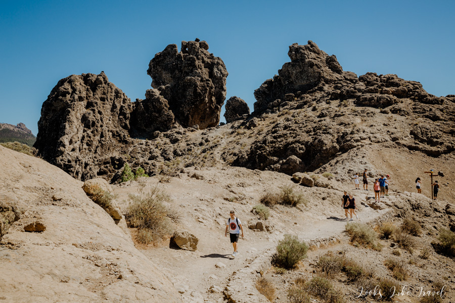 unusual rock formations - trail to Roque nublo