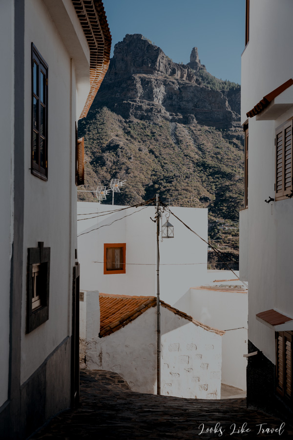 walk through the narrow streets of Tejeda