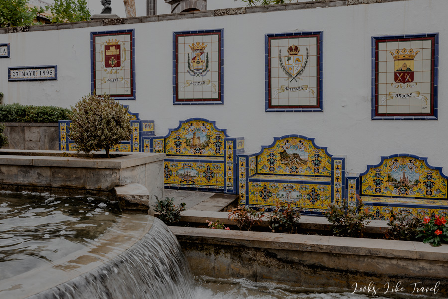 fountain and azulejos- Firgas