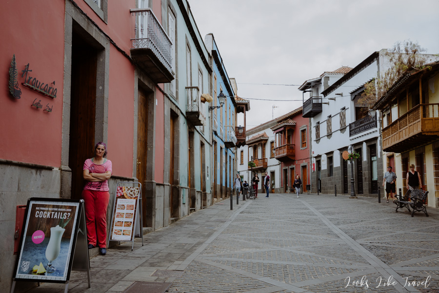 walk around the town of Teror