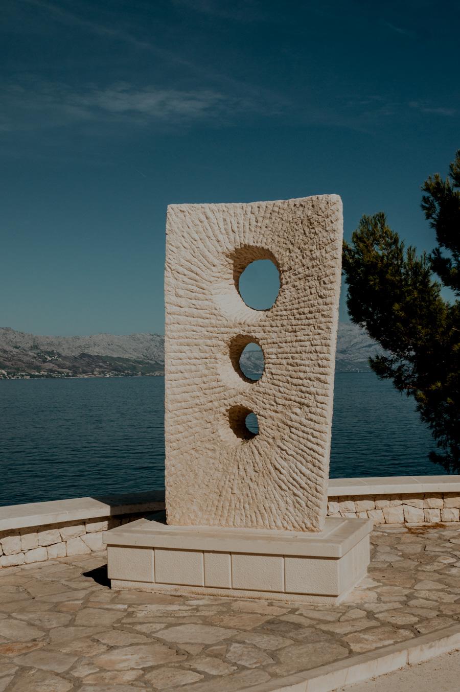 monument in Postira