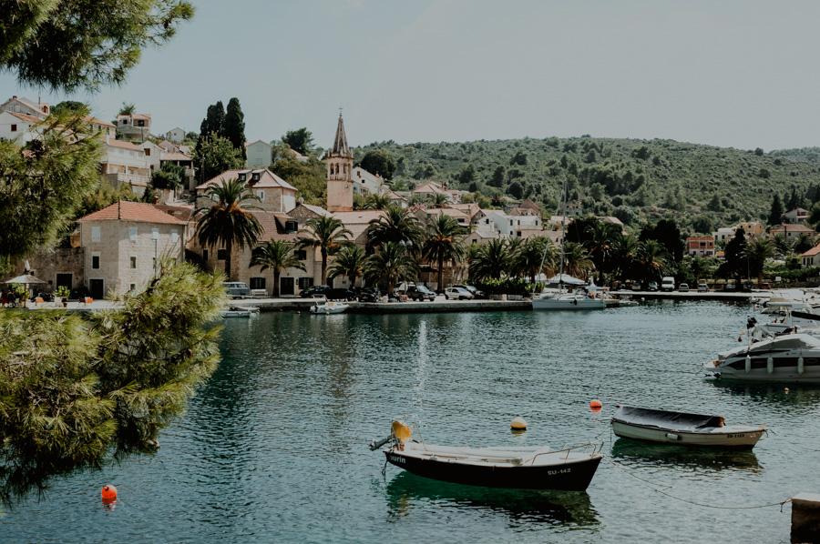 co warto zobaczyć w Splitska, Chorwacja