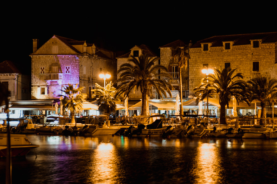 night photos of the Supetar city