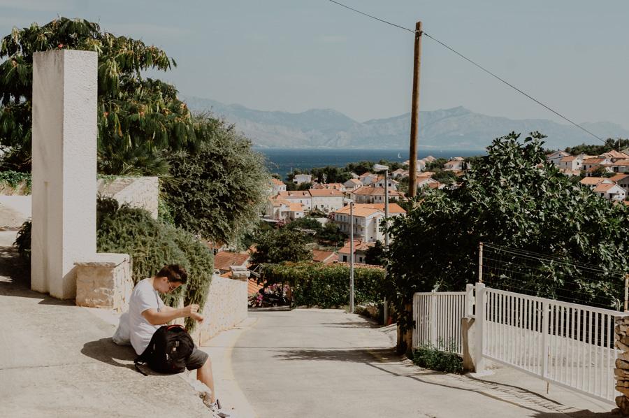 walk through the streets of Sutivan