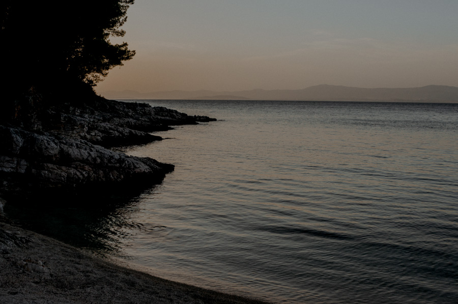 the bay near the towns of Splitska and Supetar