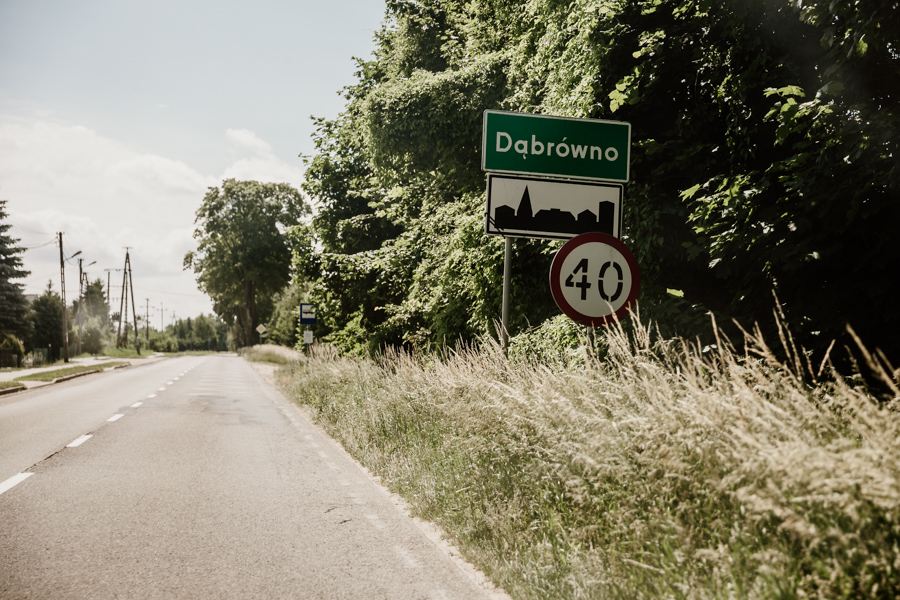 entry to the village of Dąbrówno