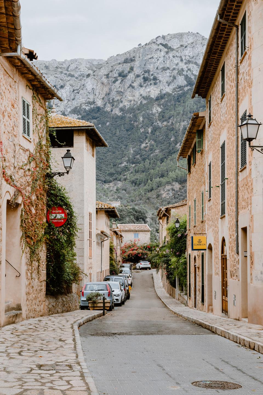 Mallorca, Deia- spanish town