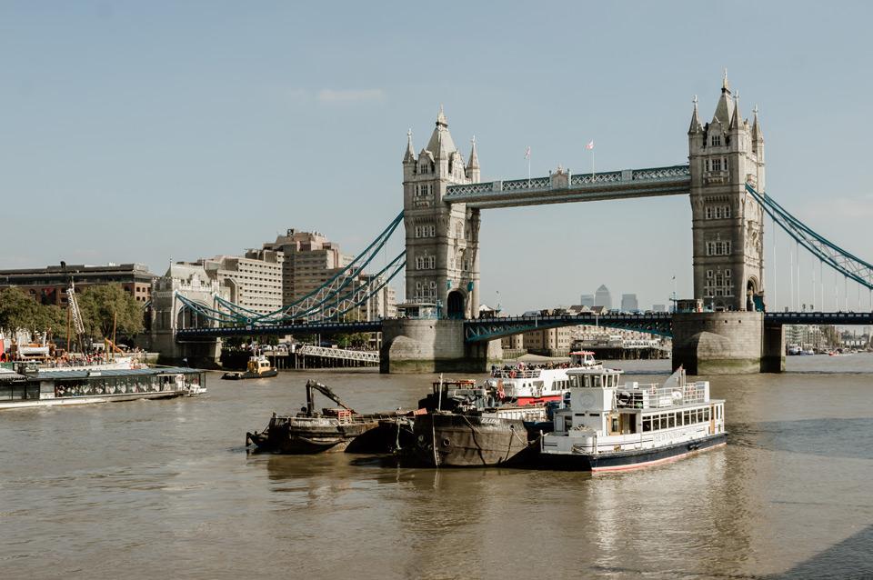 London, view of Tower Bridge