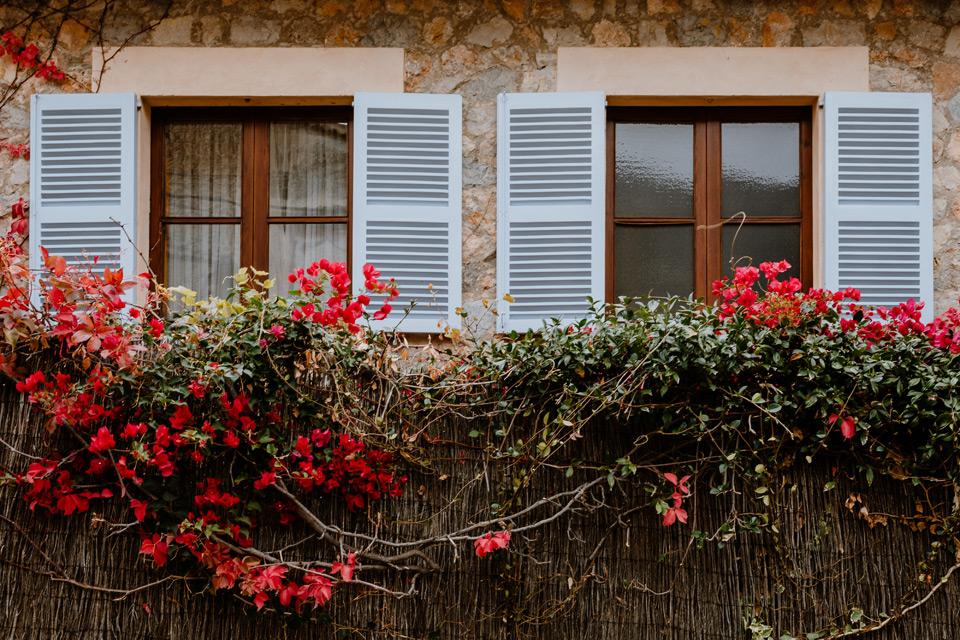 Mallorca, Deia- shutters