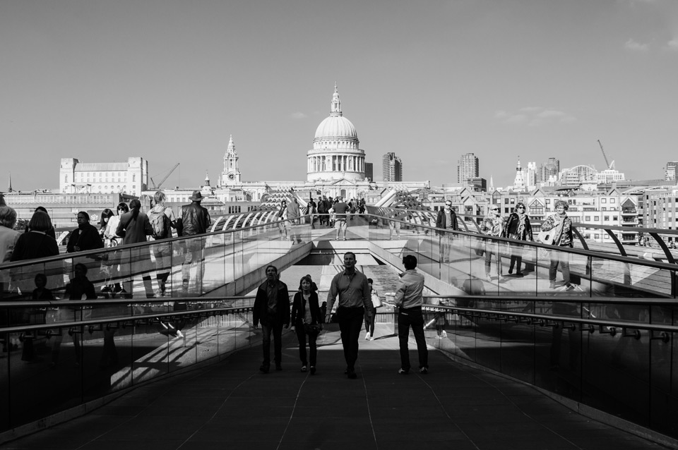 London, Millenium Bridge