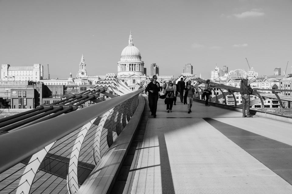 London, Millenium Bridge
